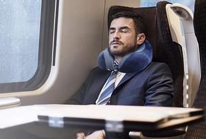 Bien choisir un coussin de voyage ergonomique